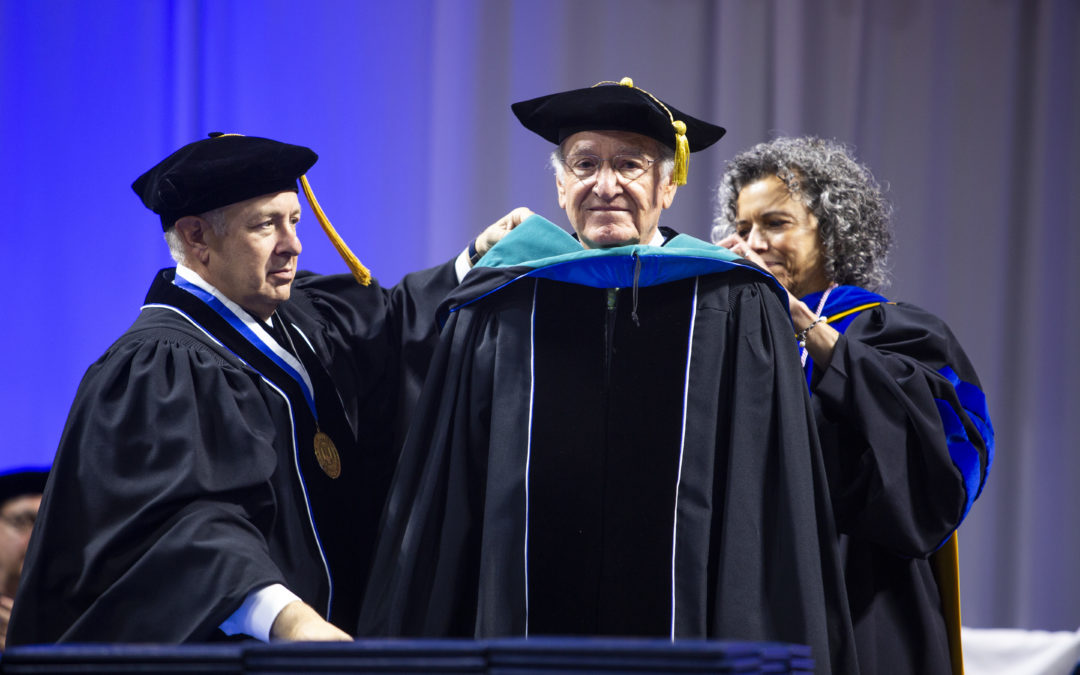 Senator Tom Harkin receives honorary degree from Drake University