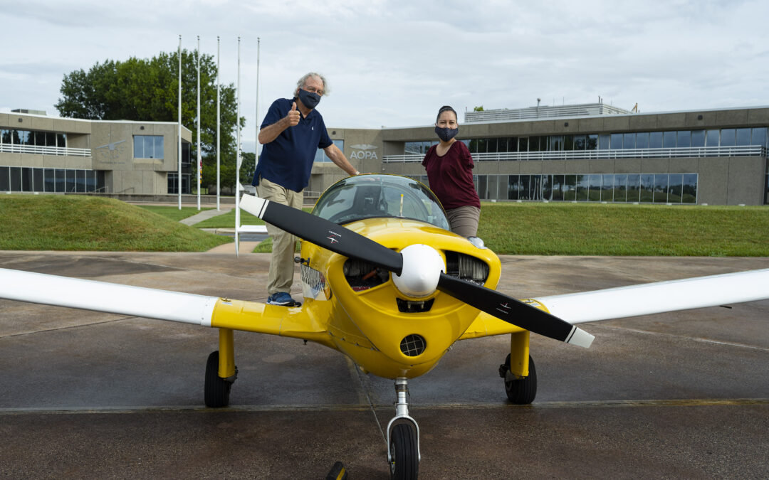 Watch: Former Sen. Harkin flies with first licensed pilot with no arms